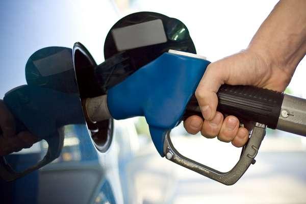 Consumidores brasileiros vem sendo prejudicados por postos de gasolina.