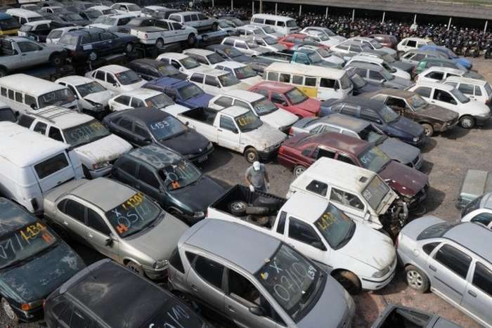 carro de leilao - nem todos os carros vem danificados